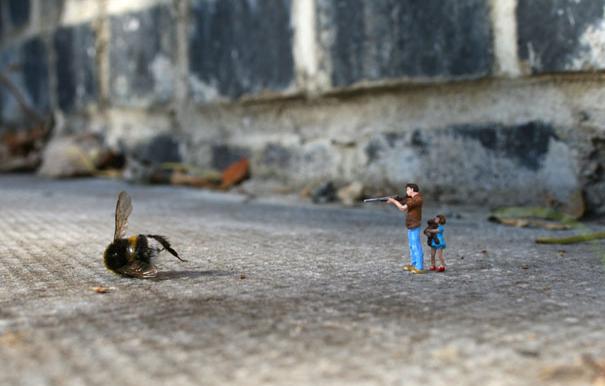 «Mini people» en un mundo peligroso #arte #fotografía